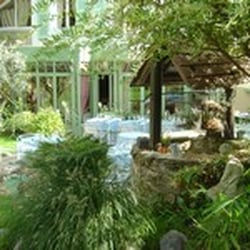Le jardin clos 25 reviews french 17 rue eug ne for Entretien jardin rueil malmaison