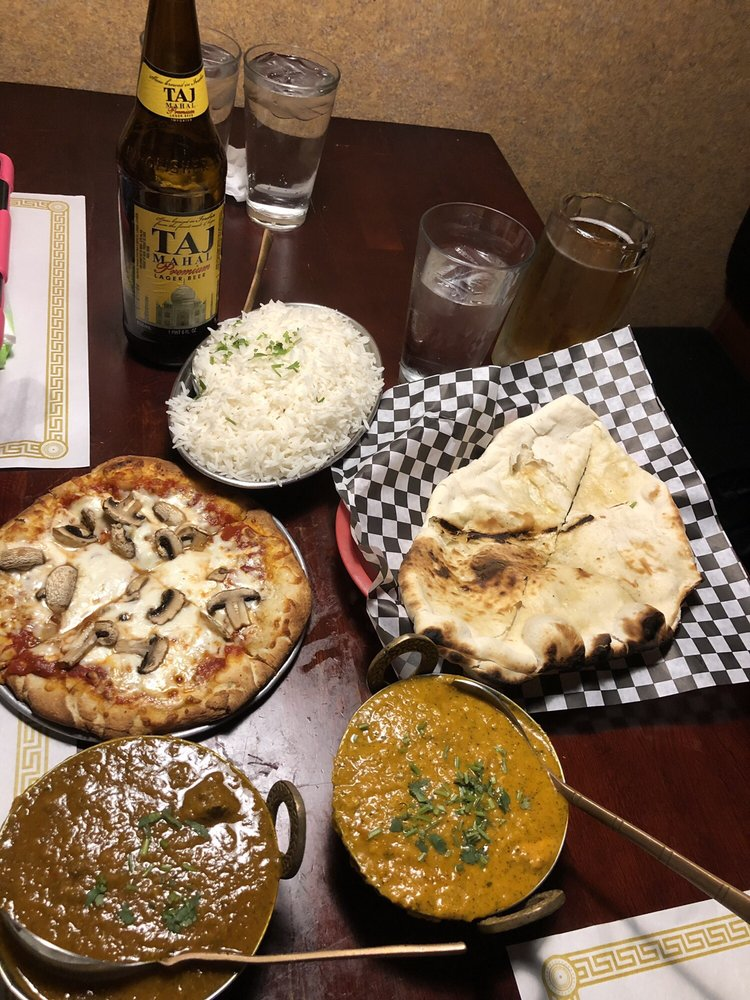 Sam's Indian Food and Pizza: 61380 29 Palms Hwy, Joshua Tree, CA