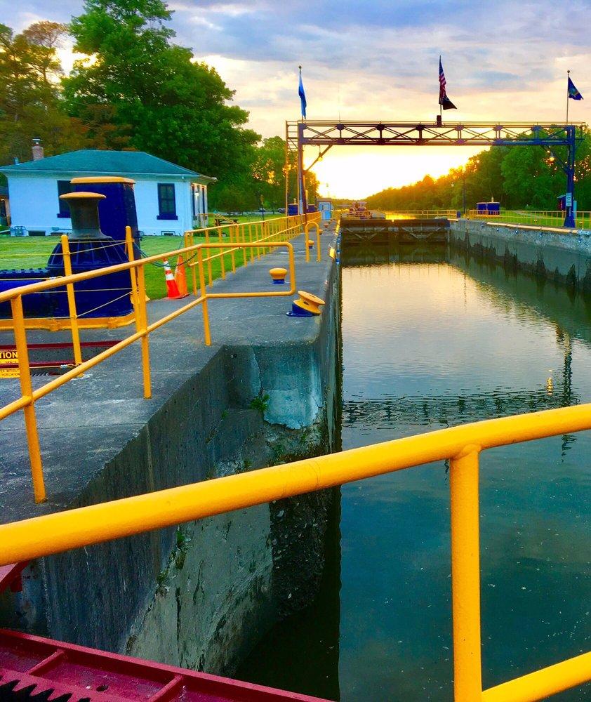 Lock 30 Canal Park: 1 Canal Park, Macedon, NY