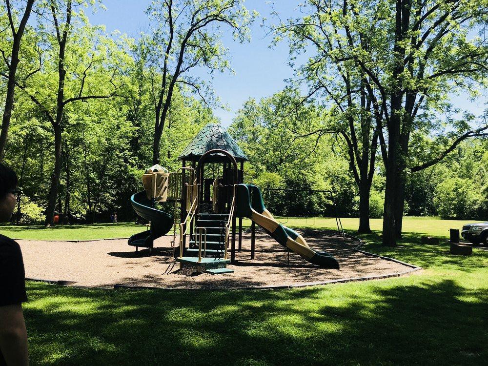 Magee Park, Sugarcreek Park District: 1820 Little Sugarcreek Rd, Sugarcreek Township, OH