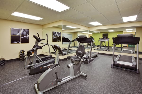 Country Inn and Suites: 350 SW Florida Gateway Dr, Lake City, FL