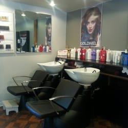 Salon de coiffure coup d il salones de belleza 75 for Salon de coiffure st sauveur