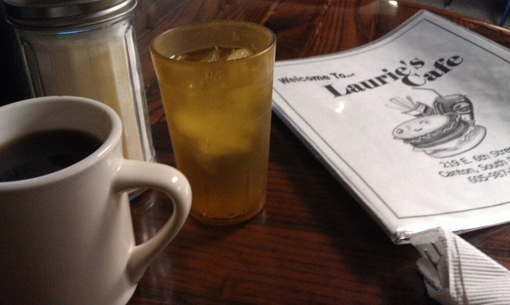 Laurie's Cafe: 219 E 6th St, Canton, SD