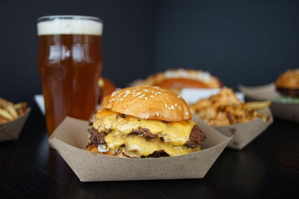 Mom & Pops Burgers: 1603 Main St, Chatham, MA