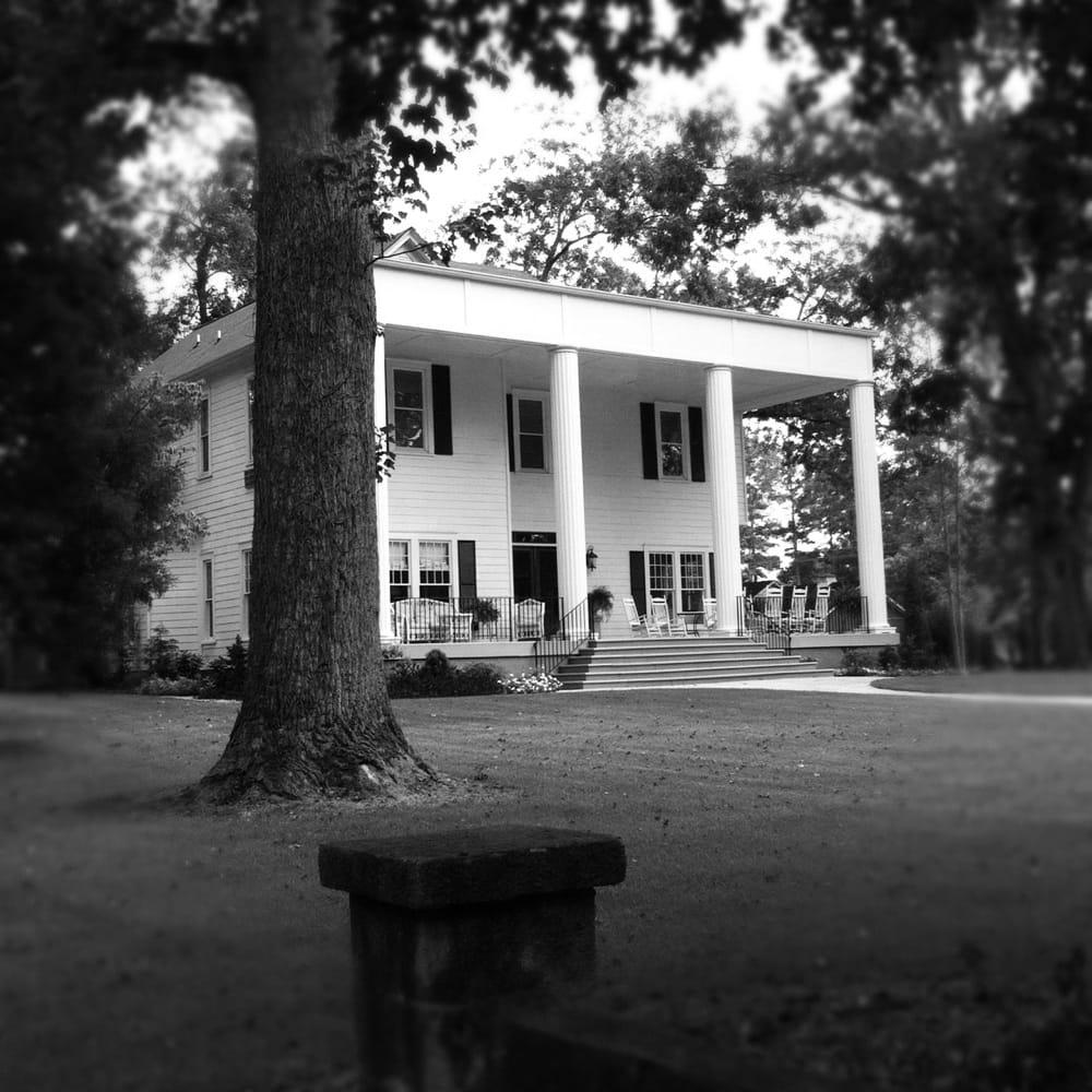 Goodwin Manor: 306 S Main St, Greensboro, GA