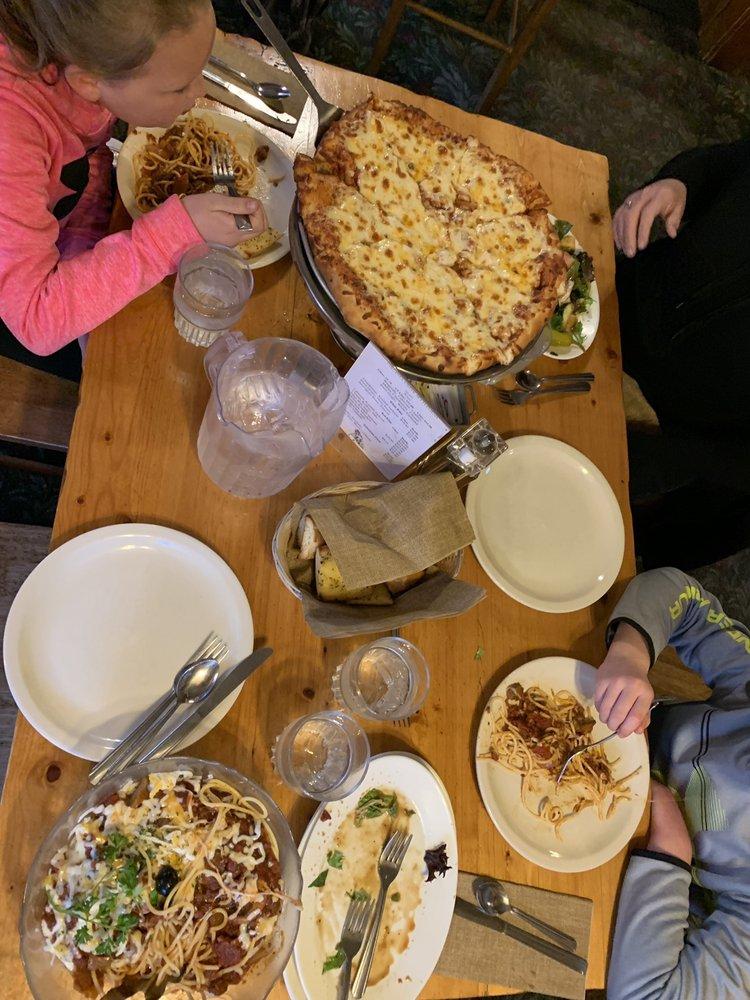 Virginia Creek Settlement Restaurant: 70847 US Hwy 395, Bridgeport, CA