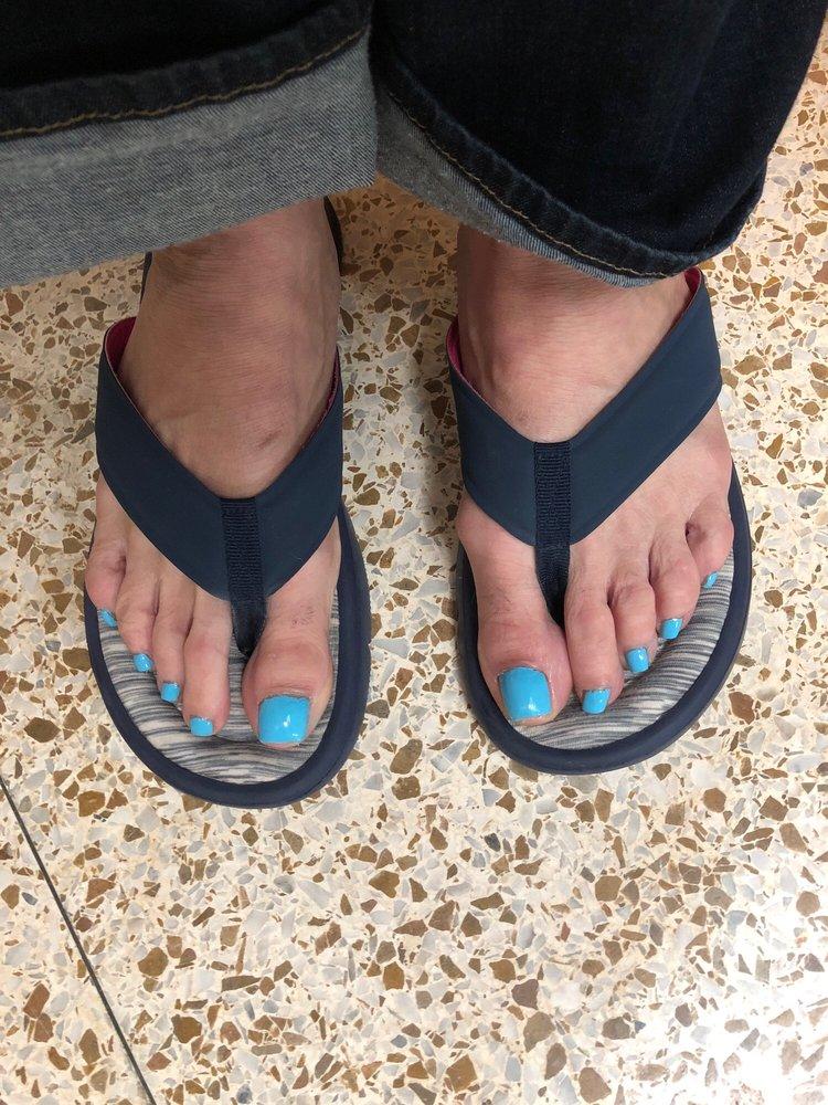 Tiptoes Nails: 411 W Thomas St, Hammond, LA