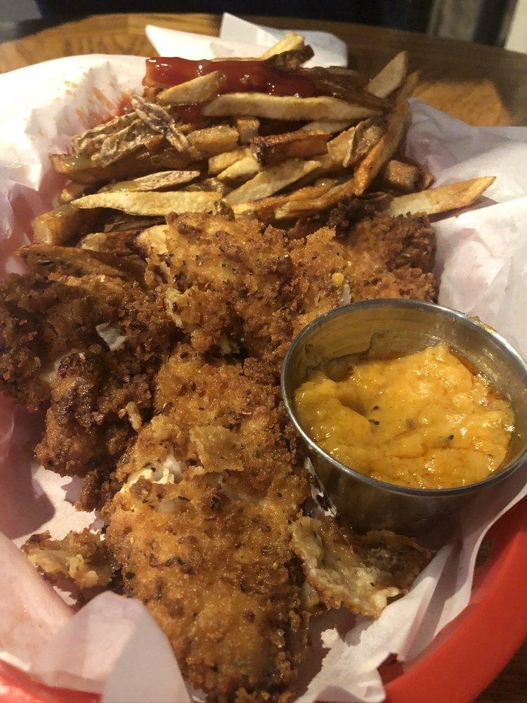 Sirens Bar & Grill: 7444 W Chatfield Ave, Littleton, CO