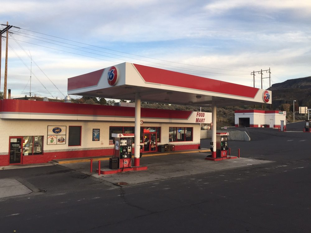 Jack's Four Corner: 630 W Grand Coulee Ave, Grand Coulee, WA