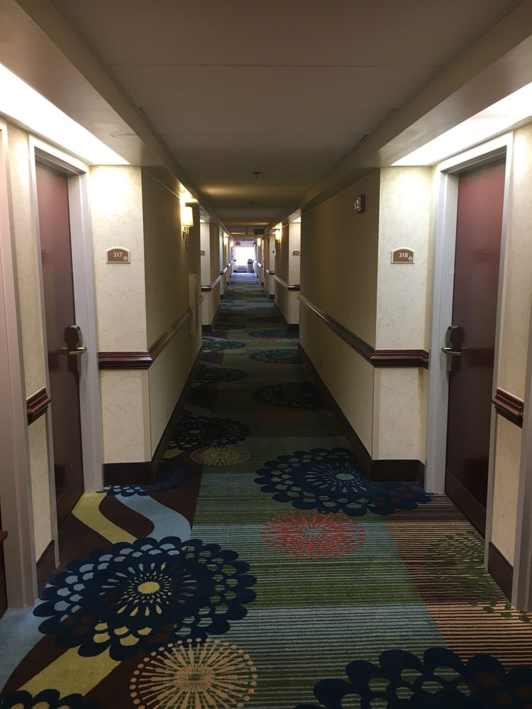 Holiday Inn Express & Suites Asheville SW: 1 Wedgefield Dr, Asheville, NC
