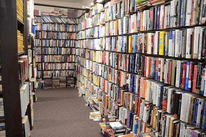 The Book Market Sales And Trading Center: 2365 Plainfield Rd, Crest Hill, IL