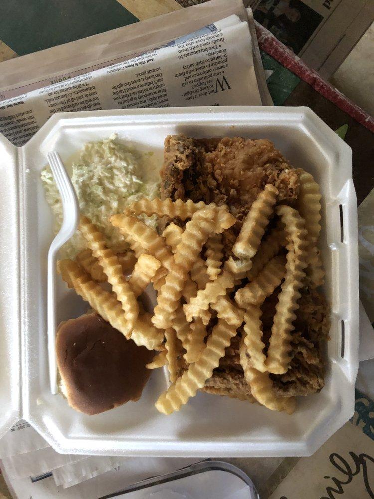Ferguson's Snack Shack: 2045 Lewis Family Rd, Lincolnton, GA