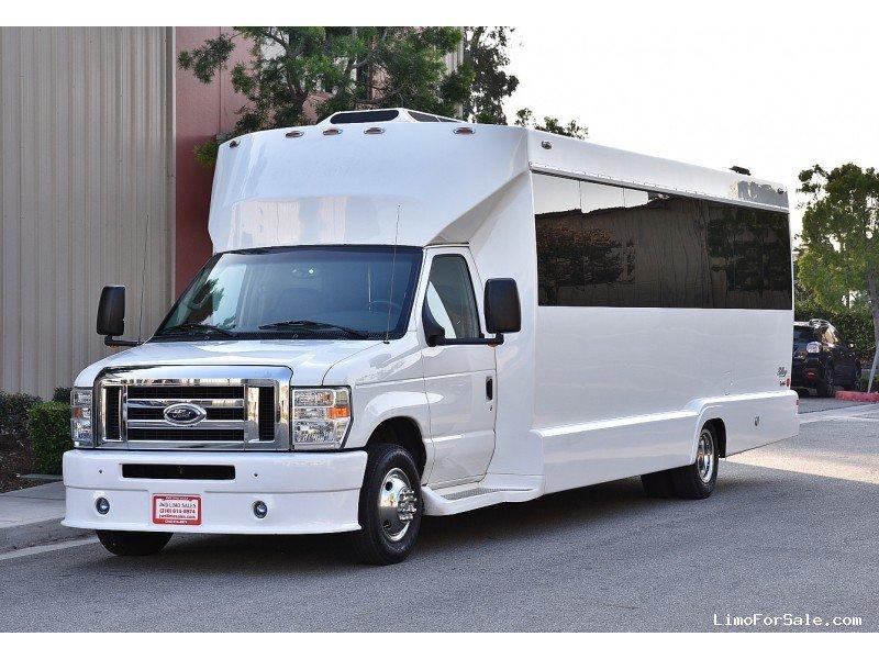 Milwaukee Prime Limousine