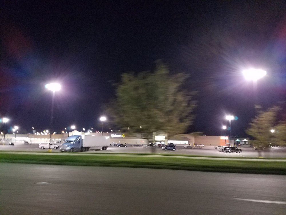 Walmart Supercenter: 133 Arkansas Blvd, Texarkana, AR
