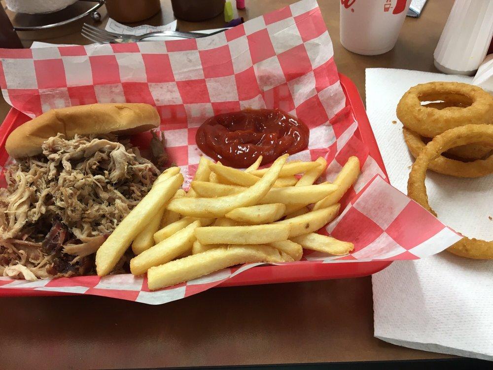 Seneca (SC) United States  city images : Photo of Heavenly Hogs BBQ Seneca, SC, United States. I also got the ...