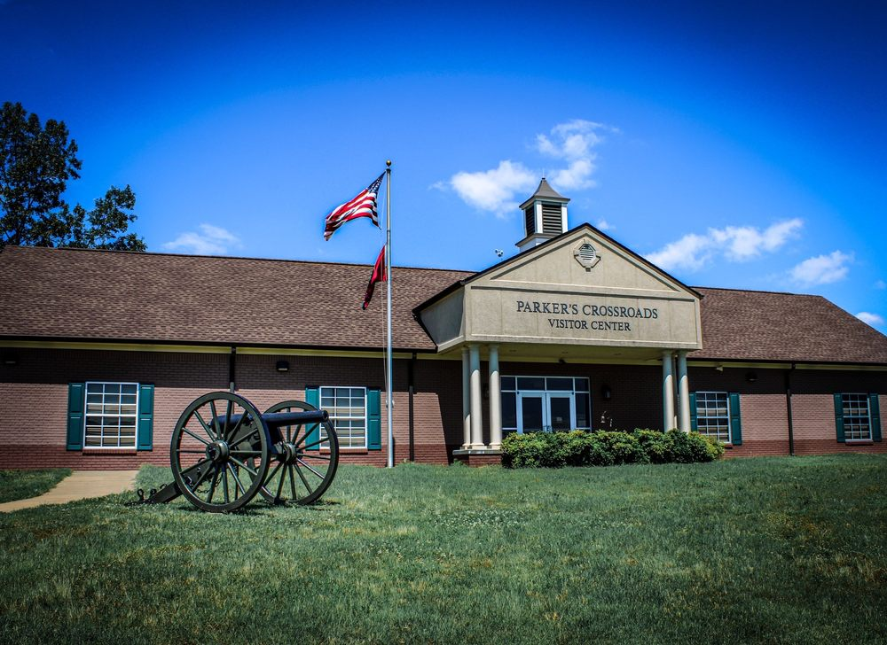 Parkers Crossroads Visitor Center and Battlefield: 20945 Hwy 22 N, Wildersville, TN