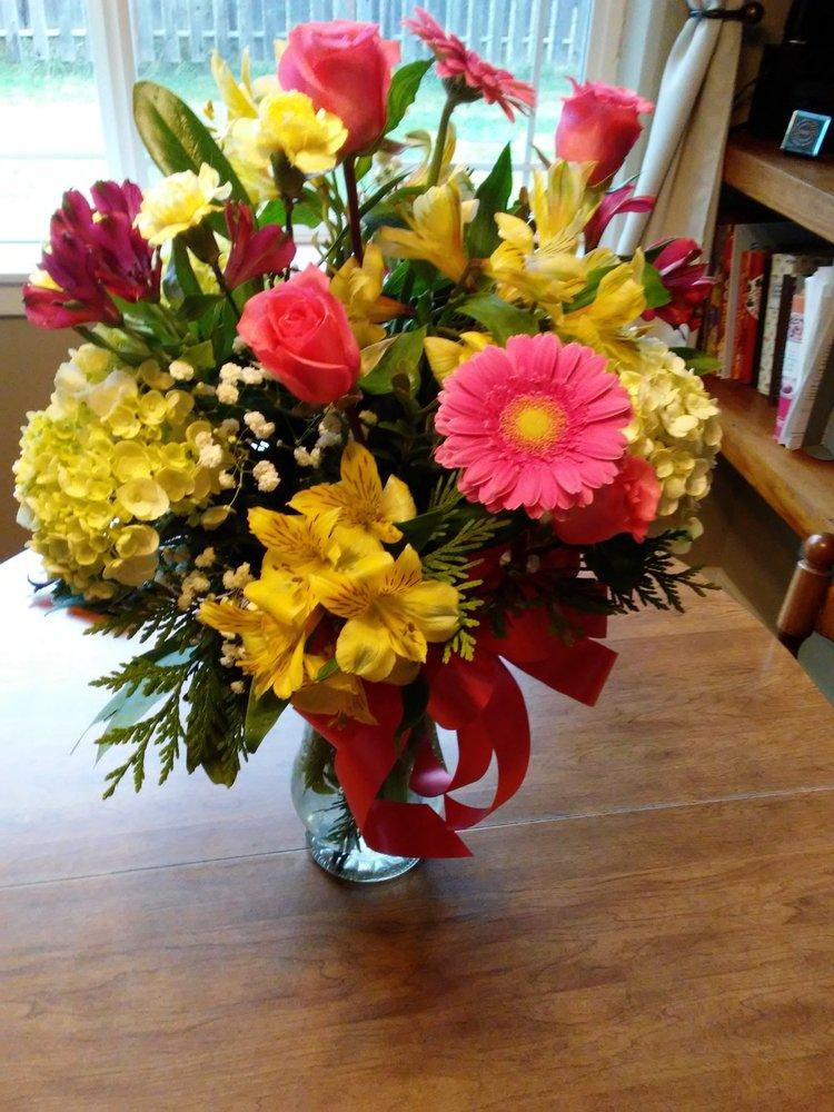 Four Seasons Florist: 891 Wind River Rd, Carson, WA