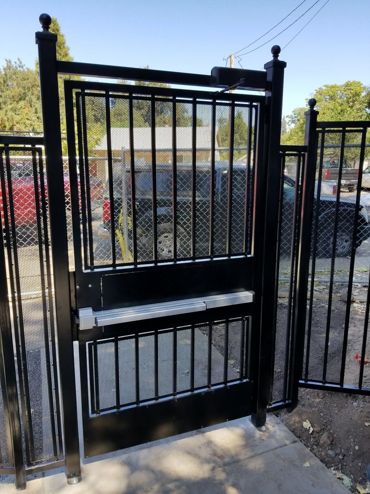 Ada Security Gate With Panic Bar Hardware And Hydraulic