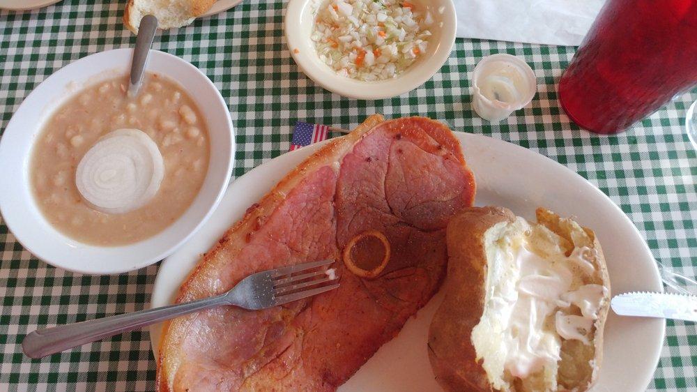 Twin Lakes Catfish Kitchen: 3069 Highway 70 E, Burns, TN