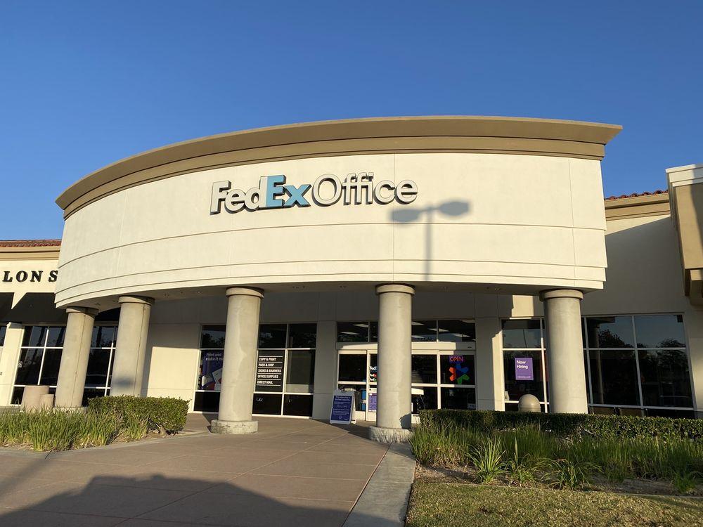 FedEx Office Print & Ship Center: 30102 Santa Margarita Pkwy, Rancho Santa Margarita, CA