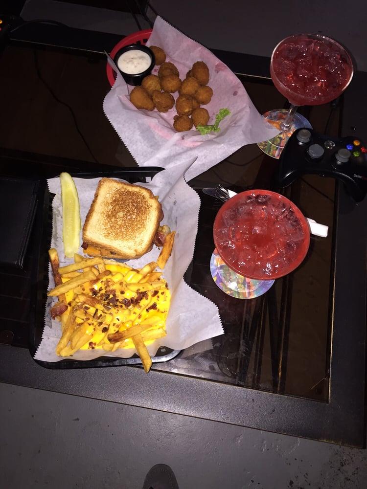 Headshots Bar & Grill: 2120 N Woodlawn, Wichita, KS