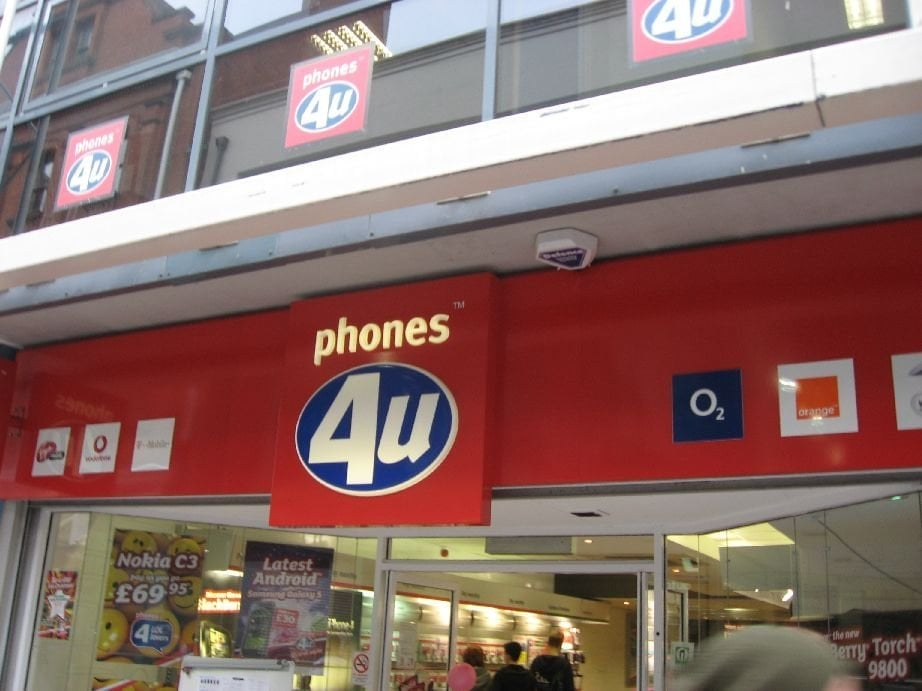 Phones 4u is to go into administration - placing more than 5, jobs at risk - after network operator EE joined Vodafone in cutting ties with the retailer.
