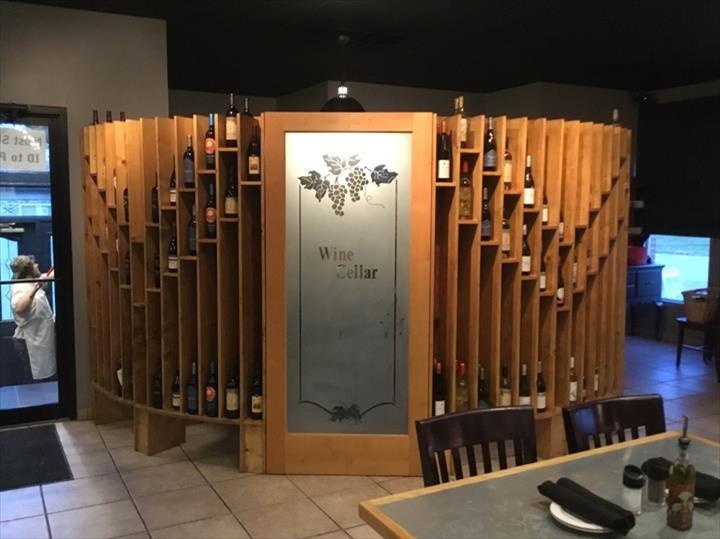 Costa's Pizzeria & Ristorante: 133 E Blackhawk Dr, Byron, IL