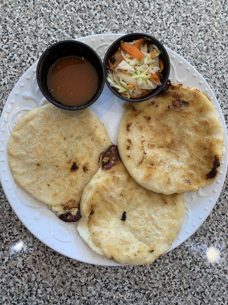 Food from El Senor De Los Tamales