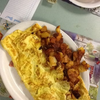 Photo Of Rodd S Restaurant Bristol Ct United States Huge Meat Omelette