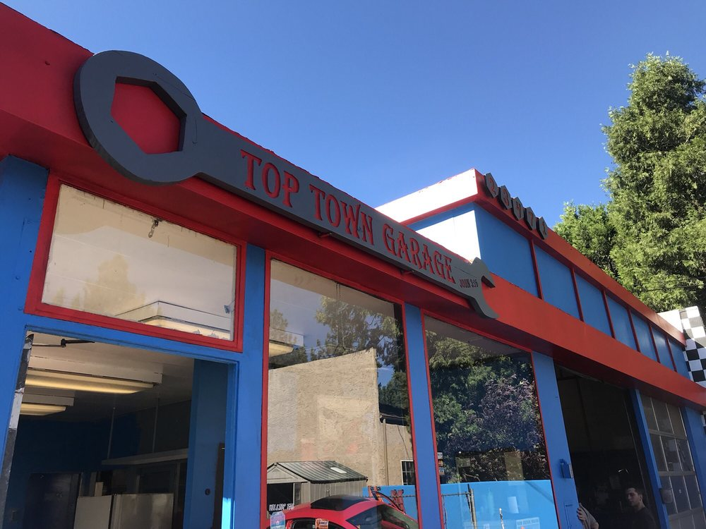 Top Town Garage: 23471 Crest Forest Dr, Crestline, CA