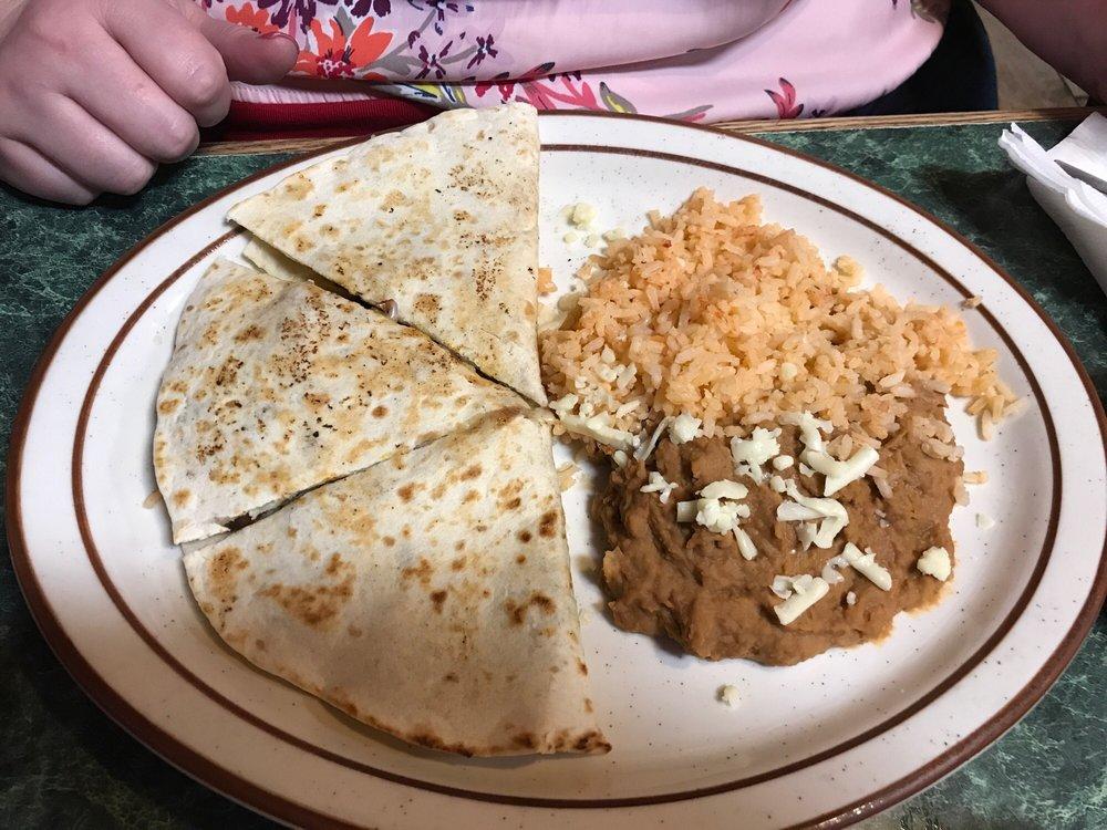 Mi Granja Mexican Restaurant: 300 S Mayes St, Adair, OK