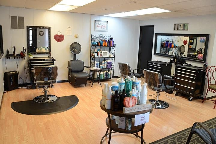 Studio 150 Hair And Nail Salon: 3409 Meadow Ave, East Peoria, IL