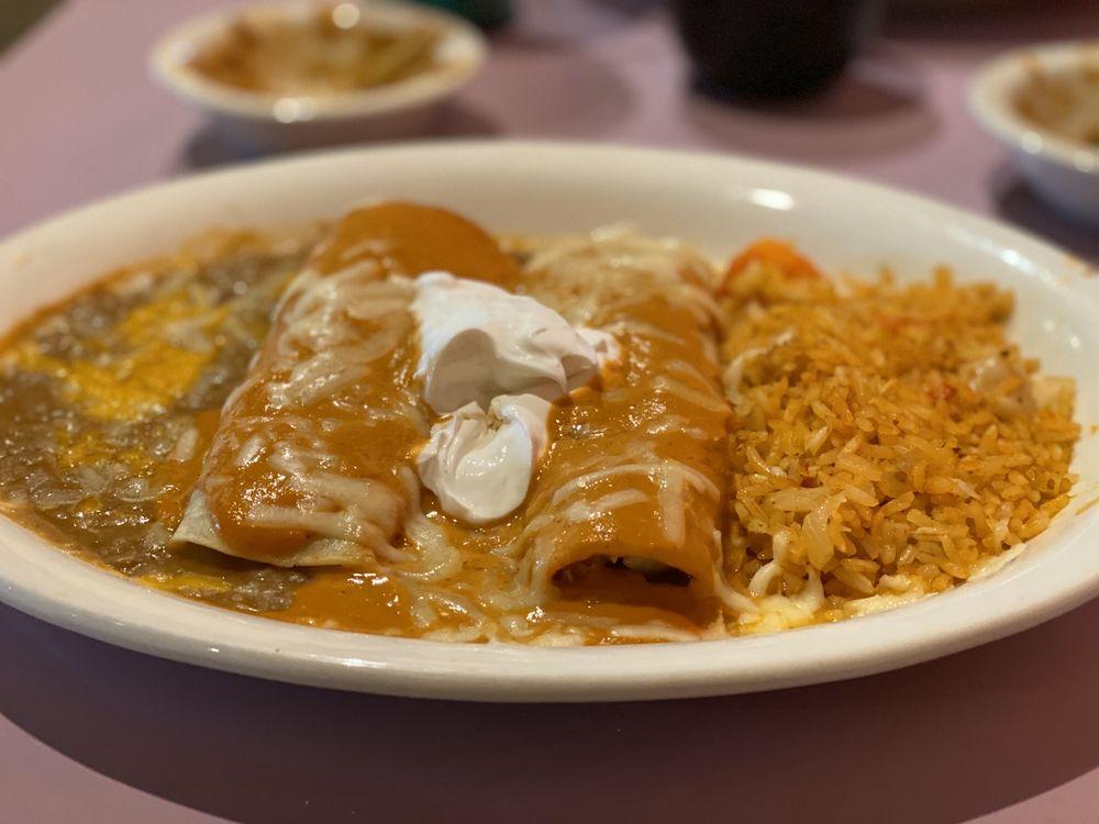 La Fiesta Mexican & American Grill: 1109 38th St S, Fargo, ND