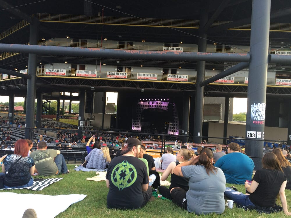 view from lawn waiting for show incubus deftones 7 23 15 yelp. Black Bedroom Furniture Sets. Home Design Ideas