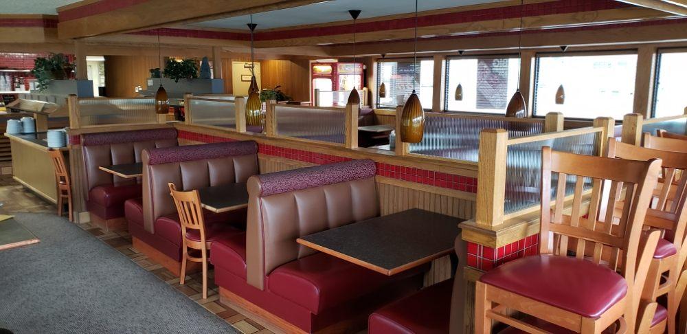Pizza Hut: 211 S Harris, Huntsville, AR