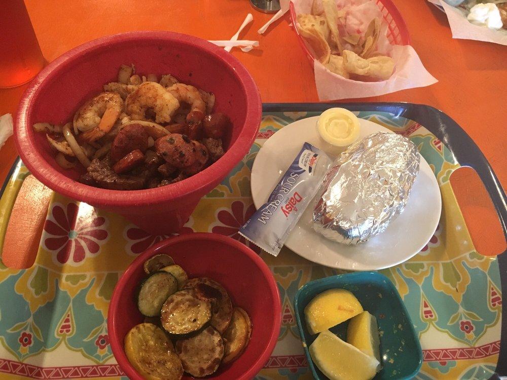 Pepper's Restaurant: 402 E Galbraith St, Hebbronville, TX