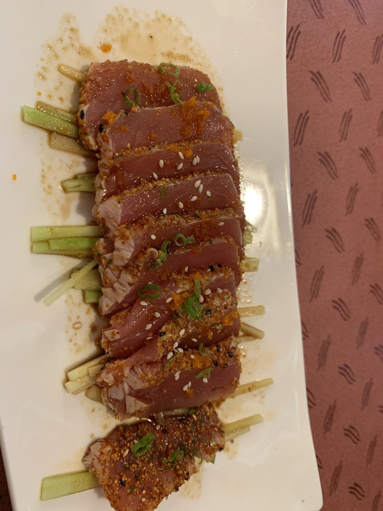 Fujiyama Japanese Steak House: 2328 Valley W Ct, Clinton, IA