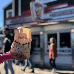 Trishs Mini Donuts 859 Photos 839 Reviews Donuts