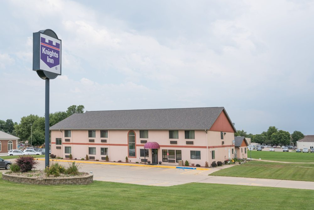 Knights Inn Rock Valley: 2111 10th Street, Rock Valley, IA