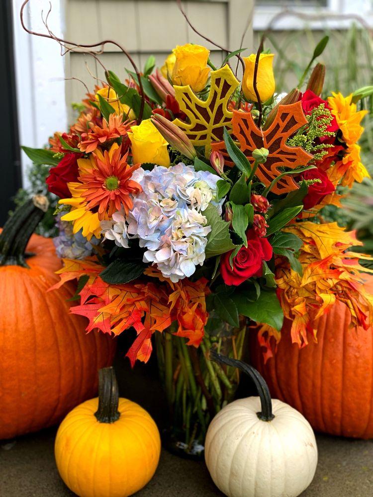 Olive Branch Flower & Gift Shoppe, Inc.: 214 Genesee St, Chittenango, NY