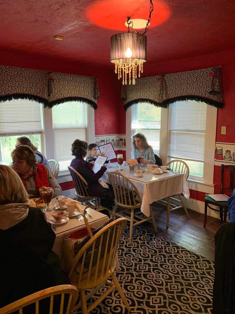 MarTeres Tea Room & Gifts: 3157 Ted Trout Dr, Lufkin, TX