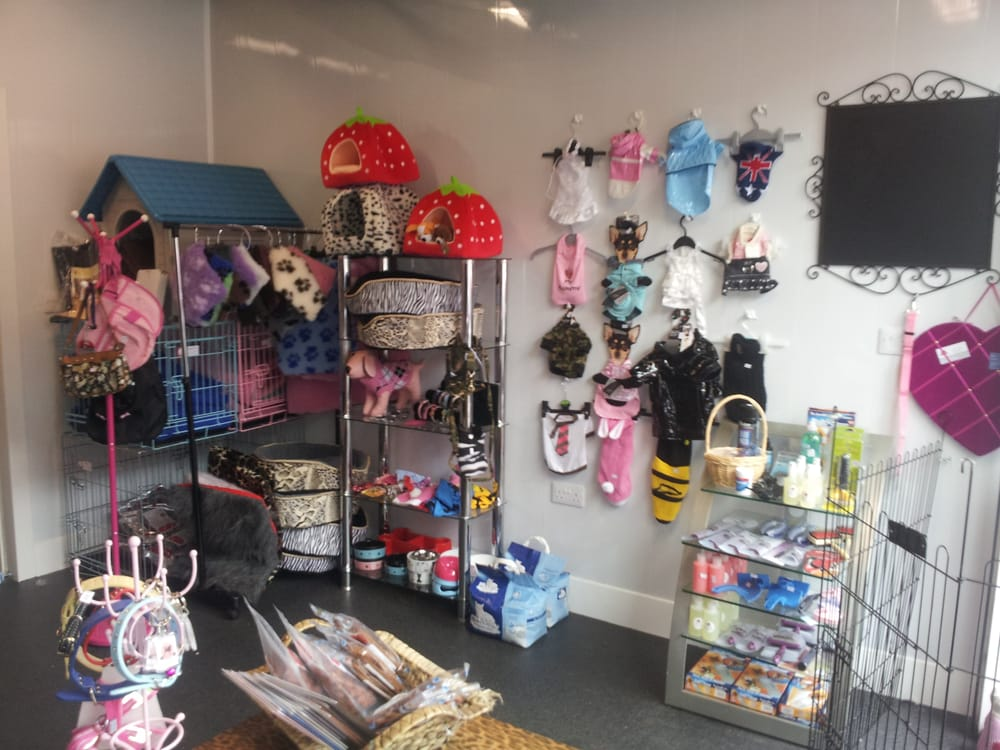 Perfect pooches boutique and grooming salon 18 photos for A perfect pet salon