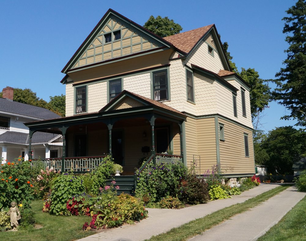 A Sense Of Place Bed & Breakfast: 303 E Genesee St, Fayetteville, NY
