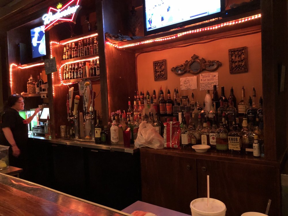 The Gator Lounge: 11081 E Michigan Ave, Battle Creek, MI