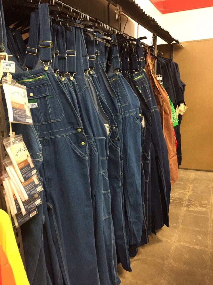 Tractor Supply Company: 3995 Grass Valley Hwy, Auburn, CA