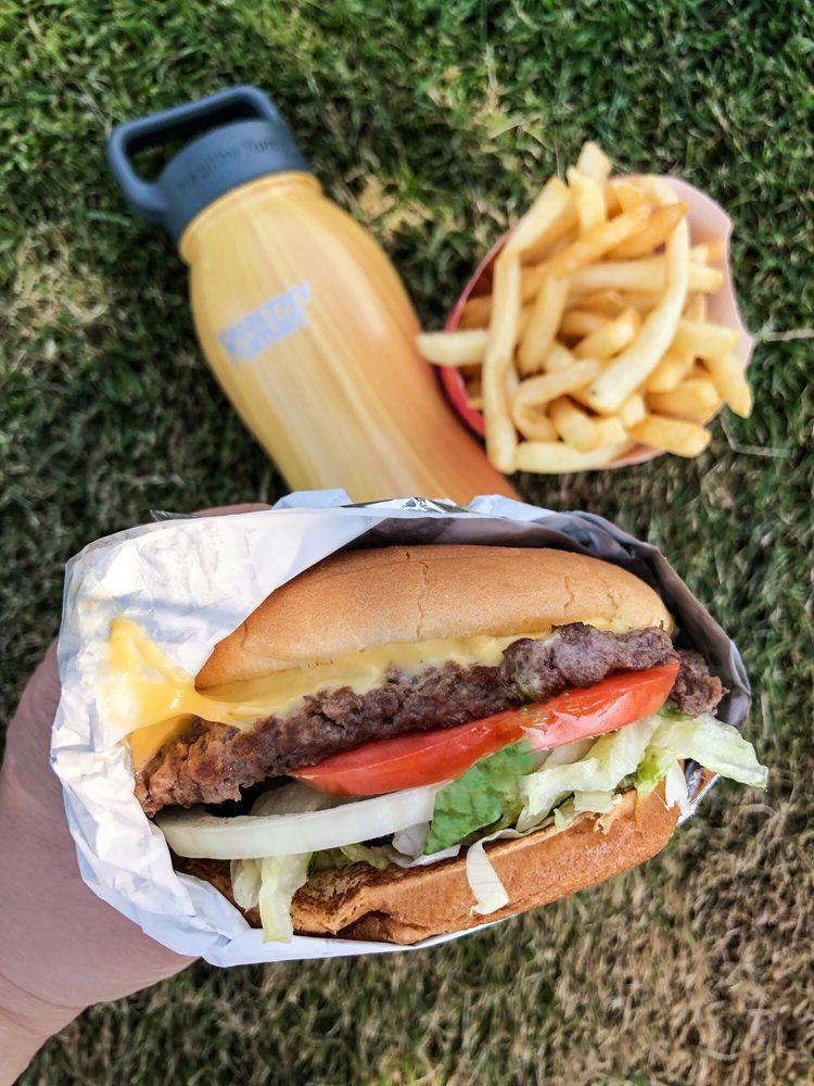 Burgermaster: 18626 Bothell Everett Hwy, Bothell, WA