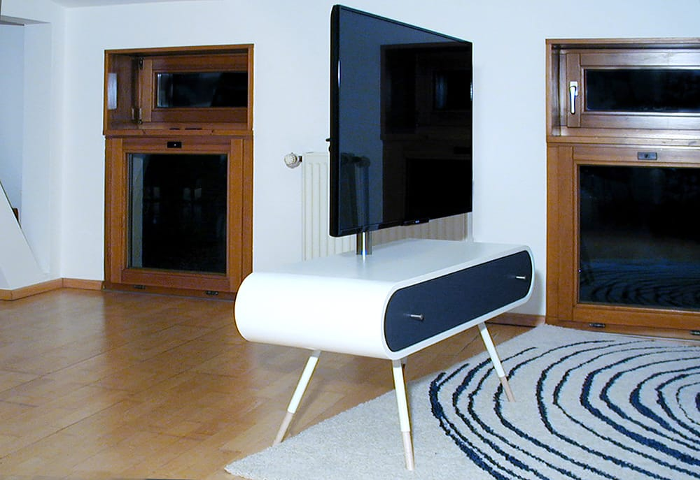 tv 1 tv hifi m bel mit innenliegenden steckdosen und. Black Bedroom Furniture Sets. Home Design Ideas