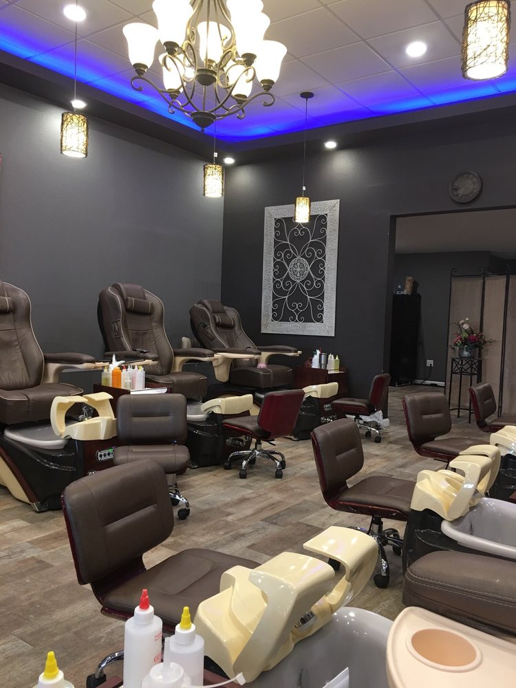 City Nails & Spa: 2213 E Highland Dr, Jonesboro, AR