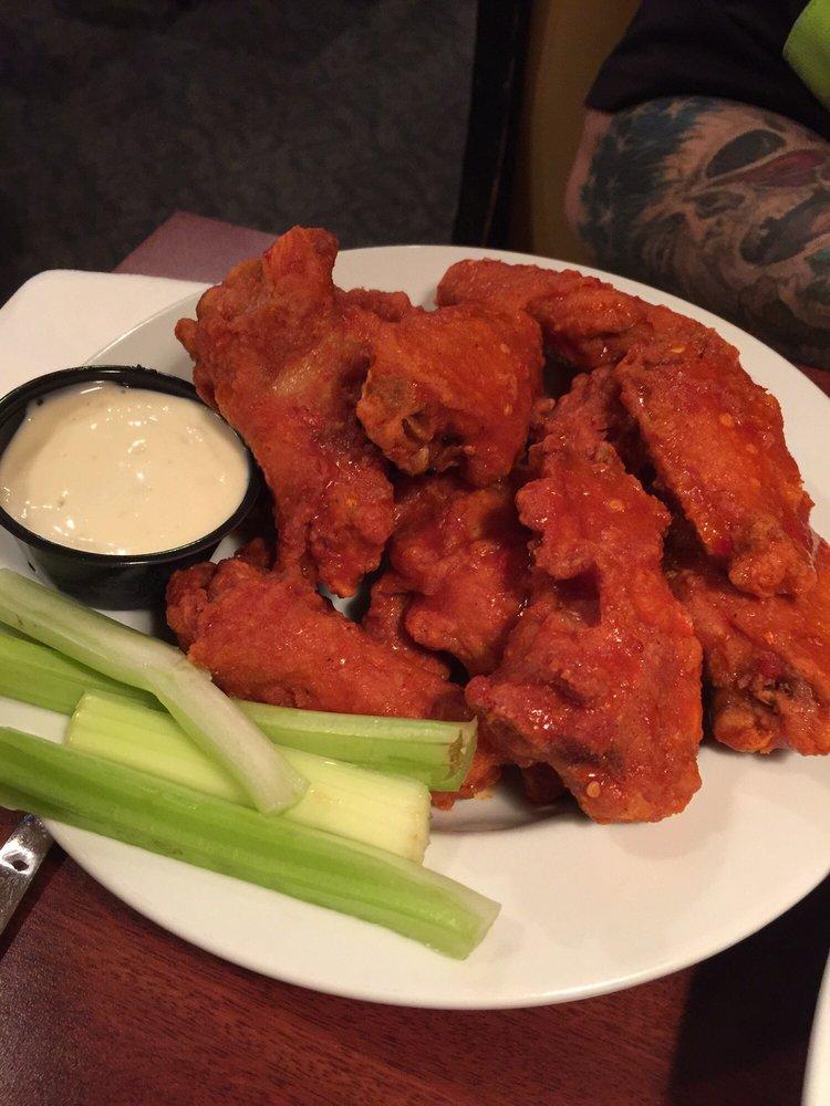 Linx Restaurant and Pub: 3712 Hamilton Blvd, Allentown, PA