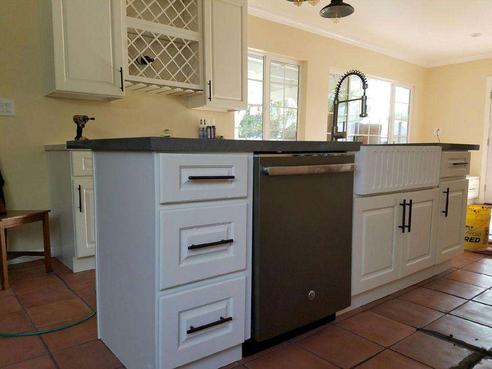Fabulous Farada Cabinet 27 Photos Kitchen Bath 875 Fairway Dr Download Free Architecture Designs Ogrambritishbridgeorg